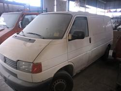 Volkswagen Transporter truck - Lot 25 (Auction 2941)