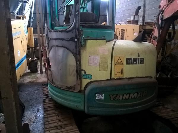 Lot Yanmar excavator