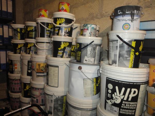 Immagine n. 1 - 3#2955 Sacchi di intonaco e latte di idropittura