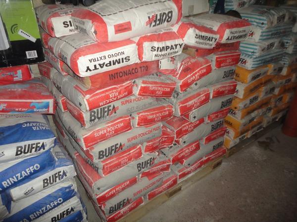 Immagine n. 7 - 3#2955 Sacchi di intonaco e latte di idropittura