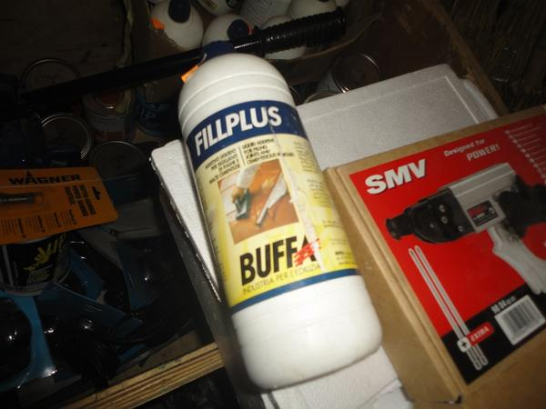 Immagine n. 12 - 3#2955 Sacchi di intonaco e latte di idropittura