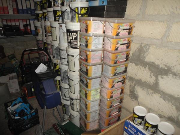 Immagine n. 17 - 3#2955 Sacchi di intonaco e latte di idropittura