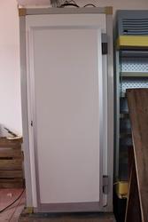 Cella frigo verticale con porta funzionante - Lotto 3 (Asta 2958)
