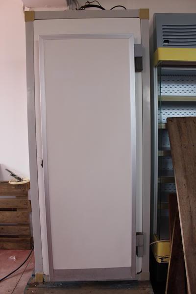 3#2958 Cella frigo verticale con porta funzionante