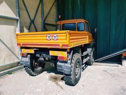 Mercedes Unimog truck - Lot 50 (Auction 2960)