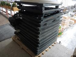 Tavoli in plastica verde - Lotto 58 (Asta 2983)