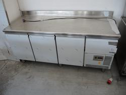 Ktm refrigerated table - Lot 5 (Auction 2985)