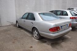 Mercedes E250TD car - Lot 4 (Auction 2993)