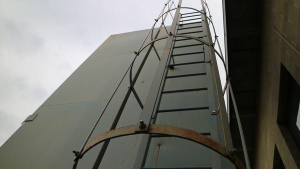 2#3053 Macchinari  lavorazione marmo e carrello elevatore Clarck