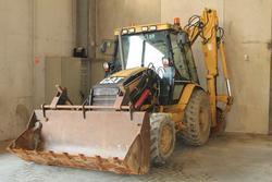 Caterpillar 442D and drilling machine Hydra - Lot  (Auction 3082)