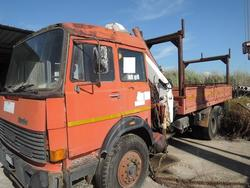 Fiat Iveco truck with crane - Lot 10 (Auction 3113)