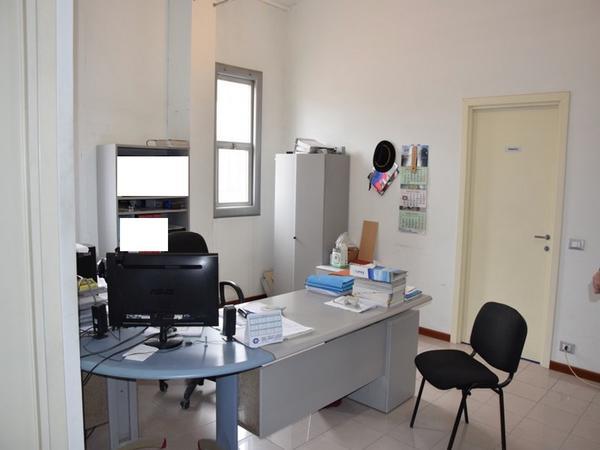 2#3131 Arredi ufficio