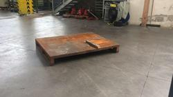 Metal pallet - Lot 2 (Auction 3154)