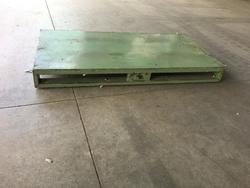 Metal pallet - Lot 3 (Auction 3154)