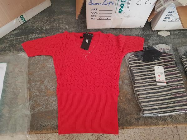 Immagine n. 2 - 4#3157 Abbigliamento uomo donna