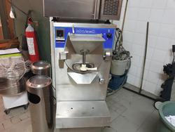 Labo ice cream machine - Lot 16 (Auction 3174)