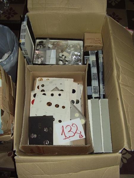 Immagine n. 7 - 3#3199 Strass e bottoni