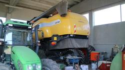 New Holland combine harvester and Palax Combi saw cut splitting wood - Lot  (Auction 3231)