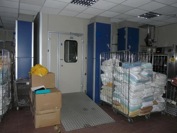 2#3241 Clean room a servizio di area sterilizzazione e confezionamento indumenti sterili