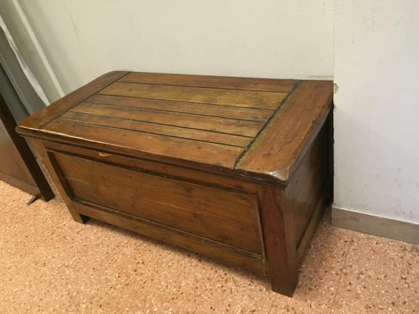 Immagine n. 7 - 1#3245 Tavolo in legno e complementi arredo