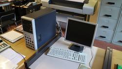 Hp plotter and Pentium PC - Lot 20 (Auction 3250)