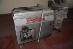Vacuum machine - Lot 54 (Auction 3256)