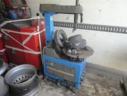 HPA and Cemb Tire removal machines - Lot 1 (Auction 3273)