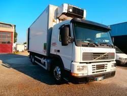 Volvo FM7 con furgone isotermico - Lotto 12 (Asta 3278)