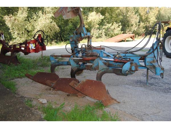 35#3287 Aratro quadrivomere Siciltiller