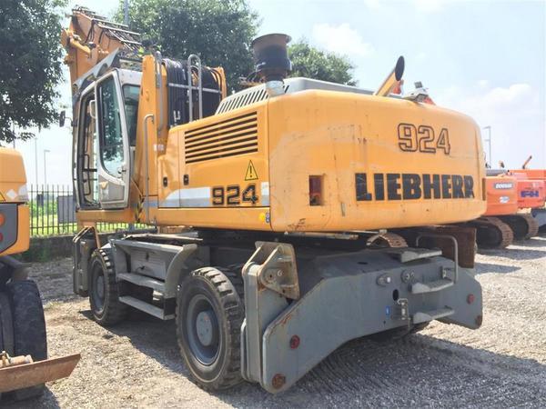 1#3289 Caricatore idraulico Liebherr A924C