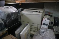 Pc HP e fotocopiatrice Sharp - Asta 3297
