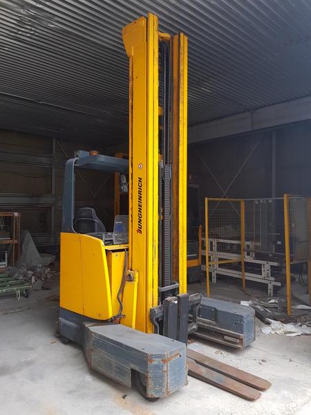 7#3303 Carrello elevatore retrattile multidirezionale Jungheinrich