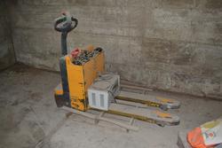 Jungheinrich ELE 10 electric pallet truck - Lot 9 (Auction 3305)
