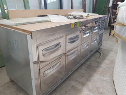 Refrigerated counter with 8 drawers - Lot 5 (Auction 3329)