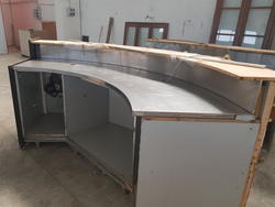 Curved bar counter with flat steel - Lot 6 (Auction 3329)