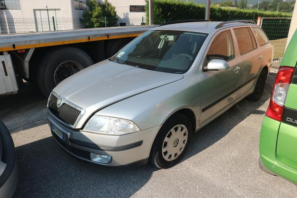 1#3331 Skoda Octavia Wagon