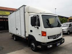 Nissan Atleon truck - Lot 33 (Auction 3357)