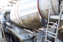 Astra cement mixers and Iveco Stralis road tractor - Lote 0 (Subasta 3380)