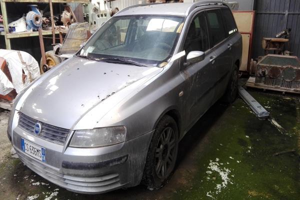 1#3380 Fiat Punto e Stilo Van