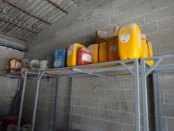 AST pump and metal shelving - Lote 60 (Subasta 3380)