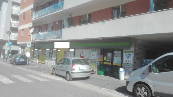 2#3391 Supermercato sito in Chieti