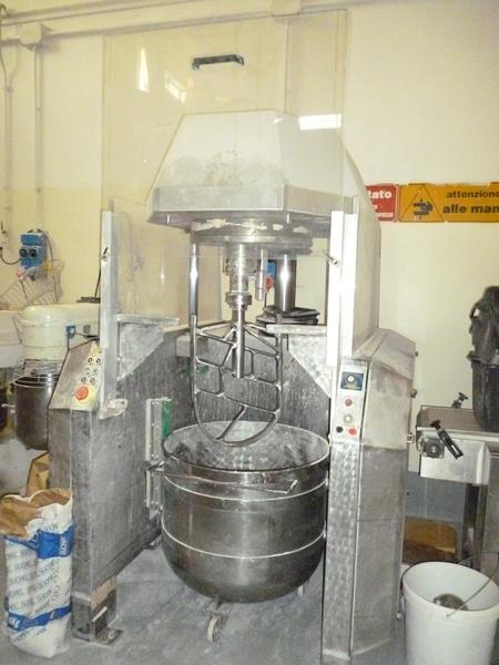 3#3408 Impastatrice planetaria 300 litri