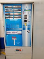 Distributore automatico di sigarette Giambo Plus - Lotto 3 (Asta 3422)