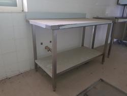 Stainless steel tables - Lot 15 (Auction 3428)