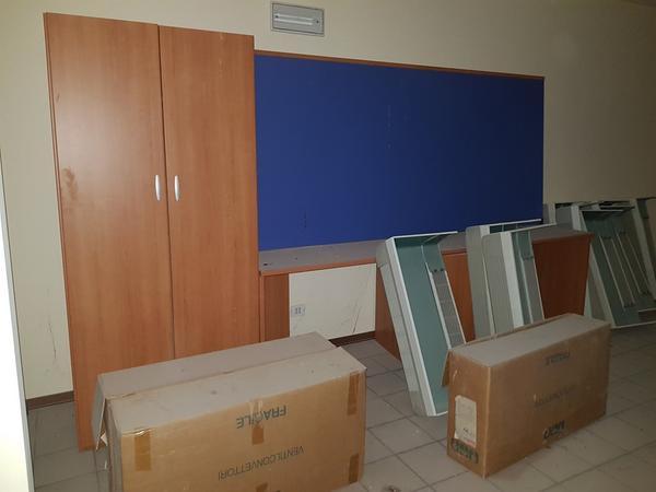 Immagine n. 39 - 25#3428 Arredamenti per stanza hotel