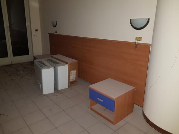 Immagine n. 40 - 25#3428 Arredamenti per stanza hotel