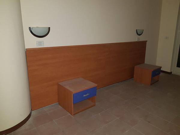 Immagine n. 43 - 25#3428 Arredamenti per stanza hotel