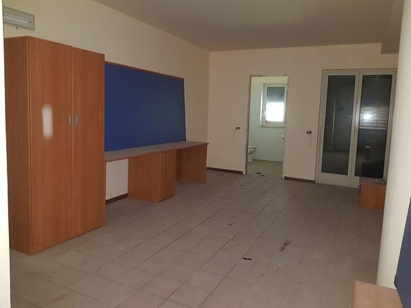 Immagine n. 49 - 25#3428 Arredamenti per stanza hotel