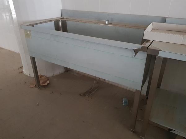 Immagine n. 7 - 4#3428 Lavello e tavolo inox