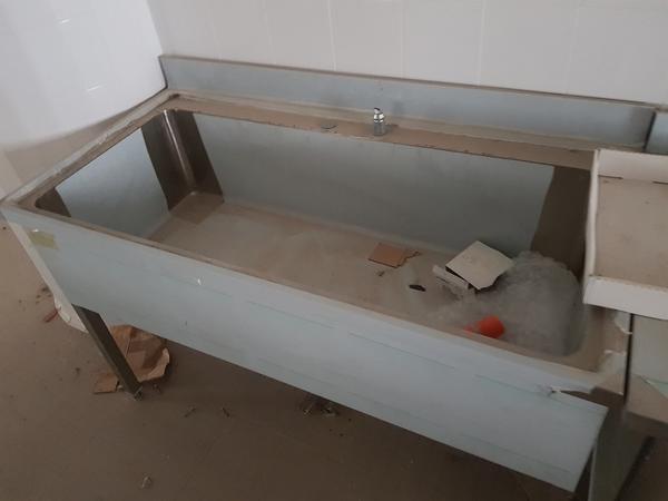 Immagine n. 8 - 4#3428 Lavello e tavolo inox